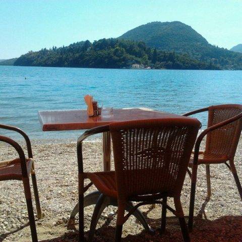 tomsseasiderestaurant-sea-view-nidri-lefkada