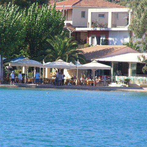tomsseasiderestaurant-wide-nidri-lefkada