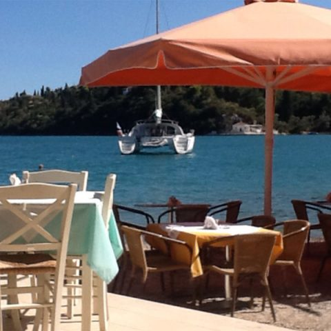 tomsseasiderestaurant-boat-view-nidri-lefkada