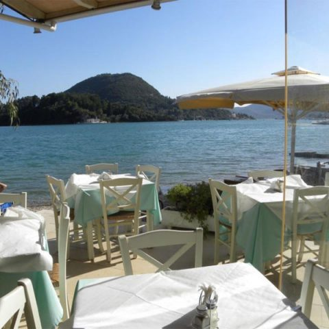 tomsseasiderestaurant-seaside-nidri-lefkada